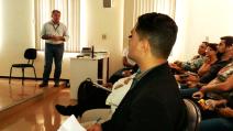 Moisés Lazarine em reunião na Santa Casa. Na reunião foi falado sobre problemas que a unidade enfrenta na cidade de São Carlos.