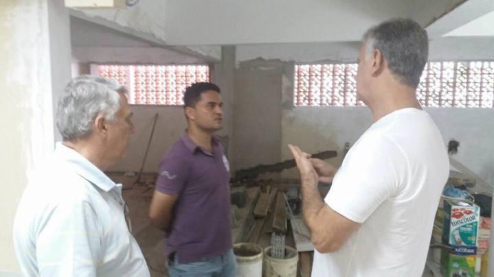 Moisés Lazarine em visita a Santa Casa