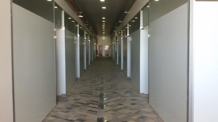 Corredor do terceiro andar do prédio