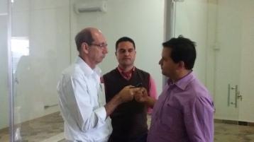 Moisés Lazarine e Roselei Françoso dando entrevista para a rádio Intersom