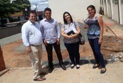 Lazarine em visita ao CEME com equipe da Secretaria de Saúde